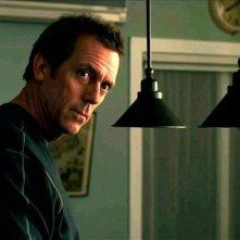 Scusa, Mi Piace Tuo Padre: Hugh Laurie in una scena