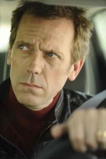 Scusa, Mi Piace Tuo Padre: Hugh Laurie in una scena del film