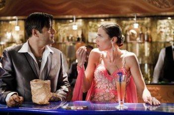 Colpi di fulmine: Claudio Gregori, alias Greg, con Anna Foglietta in una scena del film