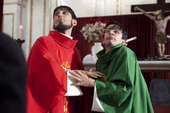 I 2 soliti idioti: i protagonisti Fabrizio Biggio e Francesco Mandelli in una scena del film