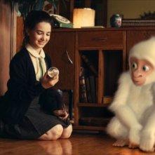 Le avventure di Fiocco di Neve: Claudia Abate con Fiocco di neve in una scena