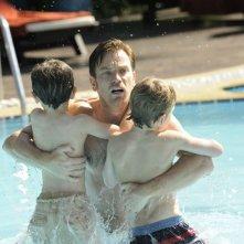 Ewan McGregor mette in salvo i suoi bambini dallo tsunami in una scena di The Impossible