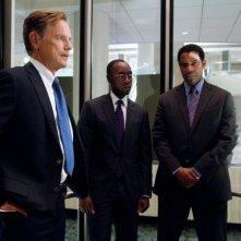 Flight: Denzel Washington con Don Cheadle e Bruce Greenwood in una scena