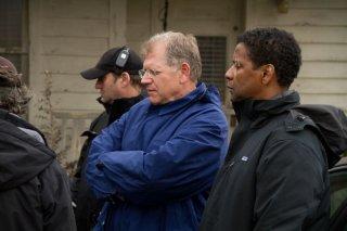 Flight: Robert Zemeckis e Denzel Washington sul set del film