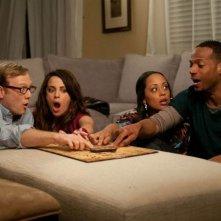 Ghost Movie: Marlon Wayans, Essence Atkins, Nick Swardson e Alanna Ubach durante una seduta spiritica