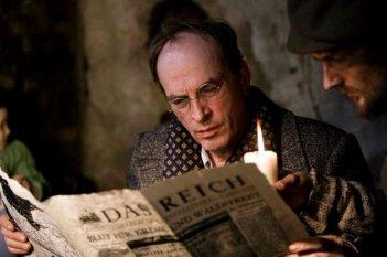 In Darkness: Herbert Knaup in una scena