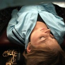 The Ghostmaker: Liz Fenning viene inserita in una bara in una scena del film