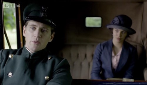 Downton Abbey: Allen Leech e Jessica Brown Findlay in una scena della serie
