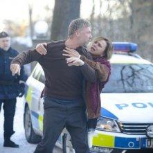 L'ipnotista: Mikael Persbrandt e Lena Olin in un momento di concitazione