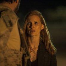Operazione Zero Dark Thirty: lo sguardo smarrito di Jessica Chastain in una scena del film