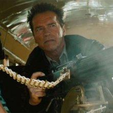 The Last Stand - L'ultima sfida: Johnny Knoxville e Arnold Schwarzenegger in una concitata scena