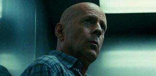Bruce Willis in un primo piano di Die Hard - Un buongiorno per morire