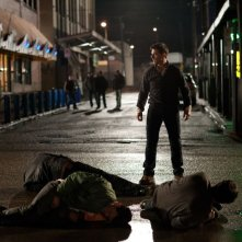 Jack Reacher: Tom Cruise in strada in una scena dell'action diretto da Christopher McQuarrie