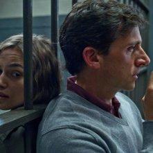 I protagonisti Keira Knightley e Steve Carell in una scena di Cercasi amore per la fine del mondo