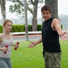 Leslie Mann e Jason Segel in una scena di Questi sono i 40