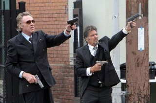 Stand Up Guys: Al Pacino in una scena d'azione insieme a Christopher Walken