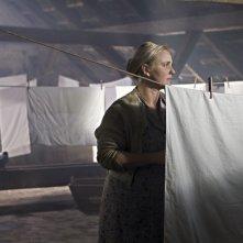In Darkness: Kinga Preis in una scena tratta dal film