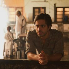 Midnight's Children: Satya Bhabha  in una scena