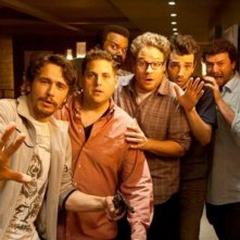 This Is the End: James Franco, Seth Rogen, Jay Baruchel, Jonah Hill, Danny McBride e Craig Robinson in una scena del film