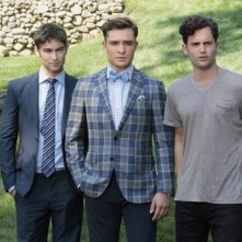 Gossip Girl: Chace Crawford, Ed Westwick e Penn Badgley una scena dell'episodio Gone Maybe Gone