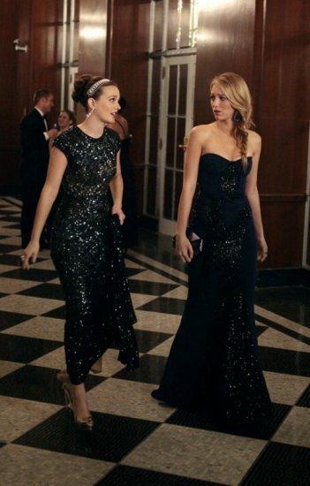 Gossip Girl: Leighton Meester e Blake Lively nell'episodio Monstrous Ball