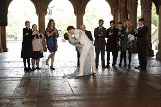 Gossip Girl: Leighton Meester e Ed Westwick in un momento dell'episodio finale New York, I Love You XOXO