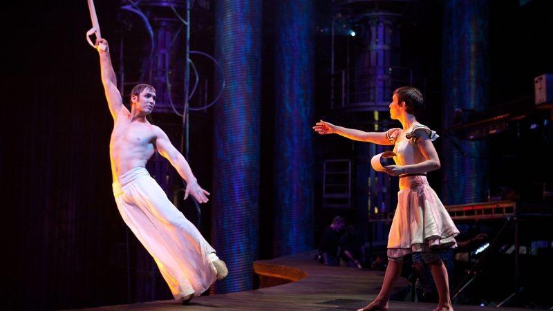 Cirque Du Soleil Mondi Lontani 3D Erica Kathleen Linz Insieme Al Trapezista Igor Zaripov In Una Scen 262136