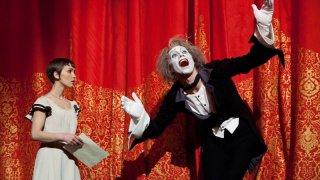 Cirque du Soleil: Mondi lontani 3D, Erica Kathleen Linz nei panni di Mia in una scena