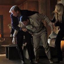CSI Miami: Adam Rodriguez, David Caruso ed Emily Procter in una scena dell'episodio Il cadavere della decima stagione