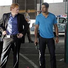 CSI Miami: Adam Rodriguez e David Caruso in una scena dell'episodio Il killer leggendario, della decima stagione