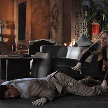 CSI Miami: Adam Rodriguez ed Emily Procter in una scena dell'episodio Il cadavere della decima stagione