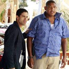 CSI Miami: Adam Rodriquez e Omar Benson Miller nell'episodio Spazzati via, della decima stagione