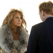 CSI Miami: David Caruso e Raquel Welch in un momento dell'episodio Segreto di famiglia della decima stagione