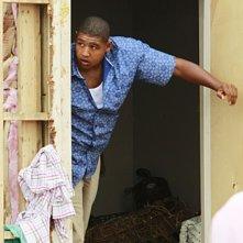 CSI Miami: Omar Benson Miller nell'episodio Spazzati via, della decima stagione