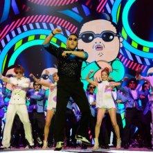 PSY durante una performance della sua Gangnam Style