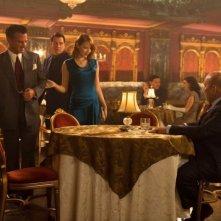 Sean Penn, Emma Stone e Jon Polito in una scena di Gangster Squad
