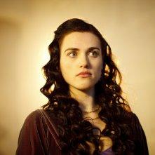 Merlin: Katie McGrath in una scena dell'episodio Uccidere il Re della prima stagione