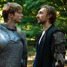 Merlin: Bradley James e Joseph Mawle in una scena dell'episodio La rianimazione della strega, della seconda stagione