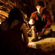 Merlin: Colin Morgan in una scena dell'episodio La dama del lago, della seconda stagione