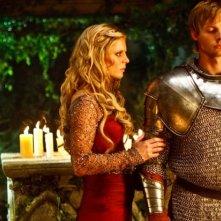 Merlin: Emilia Fox con Bradley James in una scena dell'episodio I peccati del padre, della seconda stagione