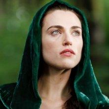 Merlin: Katie McGrath druante una scena dell'episodio I fuochi di Idirsholas, della seconda stagione