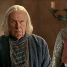 Merlin: Richard Wilson in una scena dell'episodio Lancillotto e Ginevra della seconda stagione