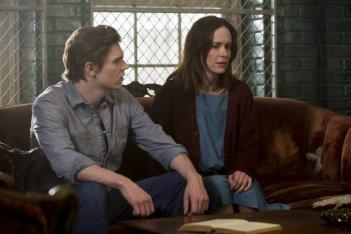 American Horror Story, Asylum - Evan Peters e Sarah Paulson nell'episodio The Name Game