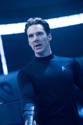 Il villain interpretato da Benedict Cumberbatch in un primo piano in Star Trek Into Darkness