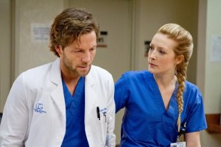 Monday Mornings: Jamie Bamber in una scena della serie