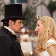 Il grande e potente Oz: James Franco discute con la bella Michelle Williams