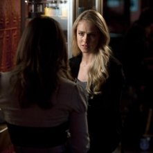 Pretty Little Liars: Amanda Schull nell'episodio Mona-Mania