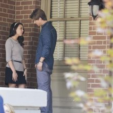 Pretty Little Liars: Janel Parrish e Drew Van Acker nell'episodio She's Better Now