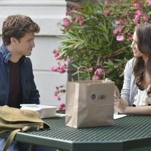 Pretty Little Liars: Keegan Allen e Troian Bellisario nell'episodio She's Better Now
