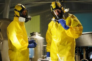 Breaking Bad: Aaron Paul e Bryan Cranston in una scena dell'episodio Hazard Pay